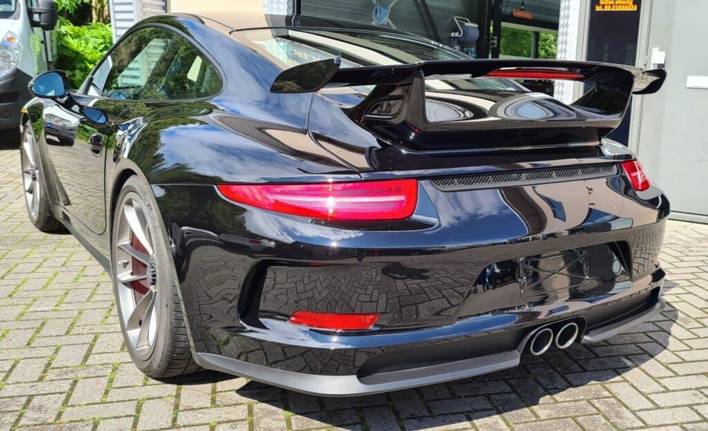 Auto detailing achterzijde Porsche GT3