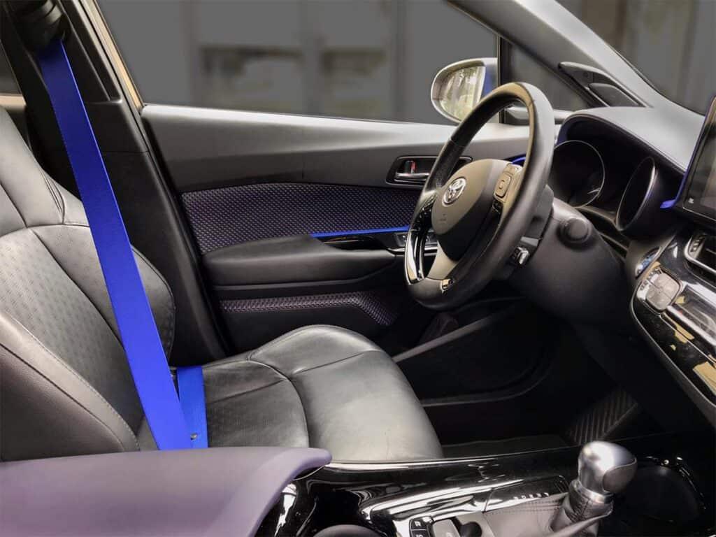 Blauwe autogordels